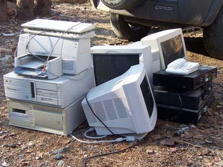 آلودگی محصولات الکترونیکی و پلاستیکی