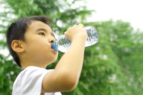 نوشیدن آب موقع سرفه